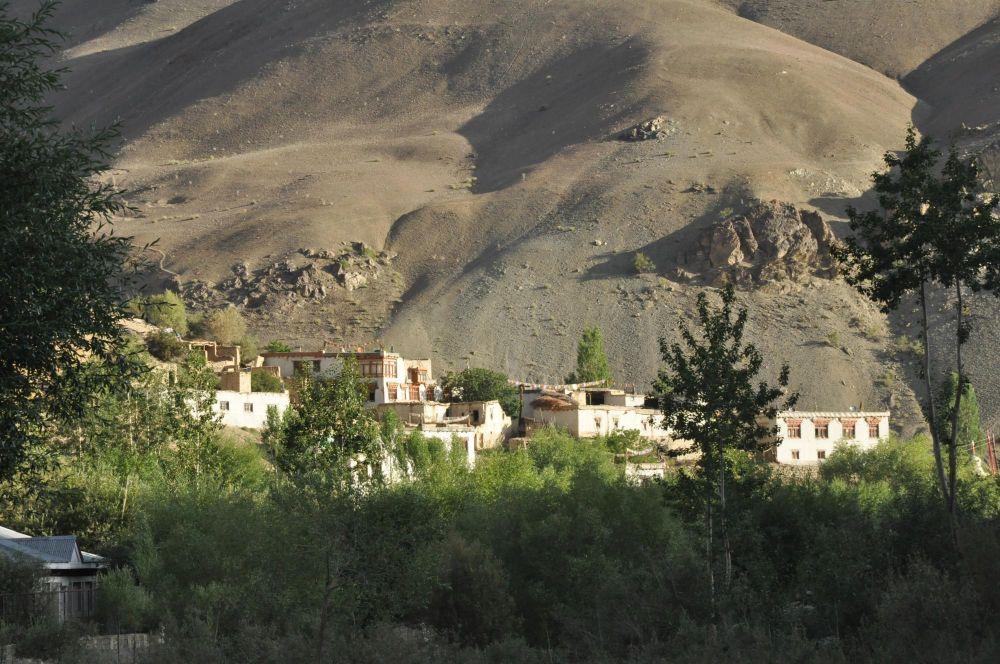 Trek Village ladakhi himalaya
