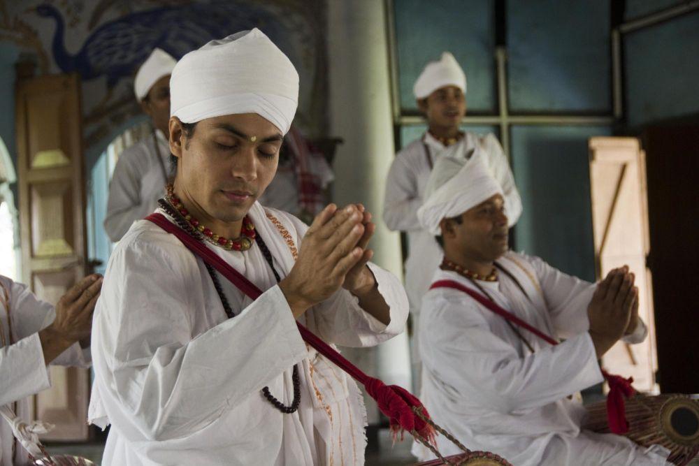 moines néovishnouites, île de Majuli