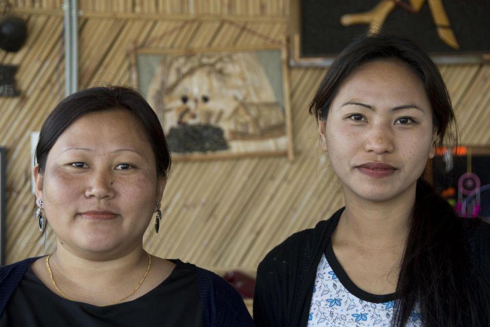 jeune filles de l'ethnie naga Angami, Nagaland