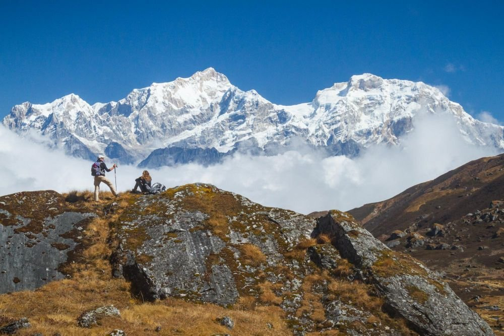 Face à face avec la chaîne du Manaslu, Népal