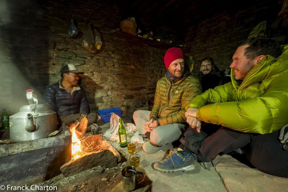 Rencontre avec les locaux sur ce trek inédit au Népal