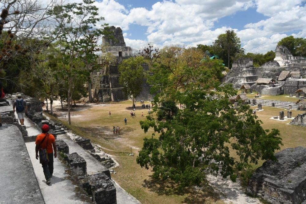 place des 7 temples, le monde perdu, site archéologique de Tikal, Guatemala