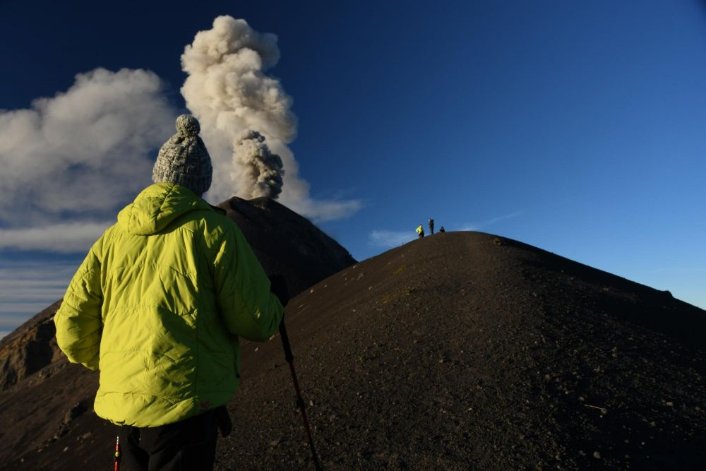 approche du cratère du volcan Fuego