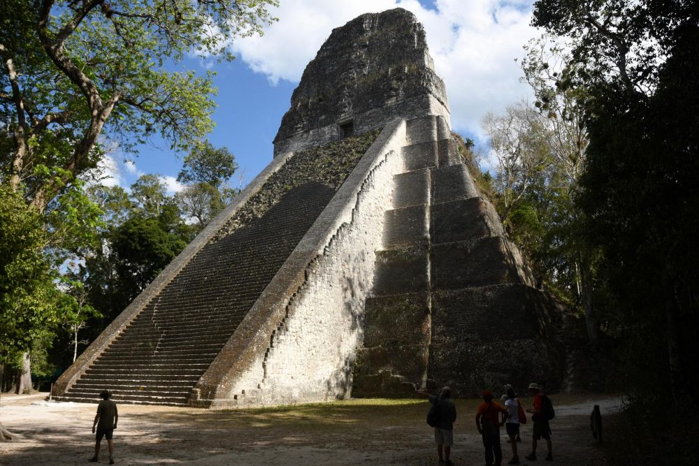 Pyramide temple du serpent bicéphale, Tikal, Guatemala