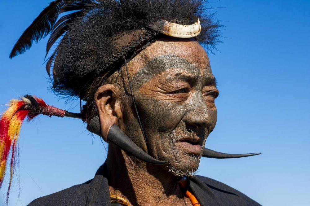 témoin vivant des derniers guerriers konyak tatoués