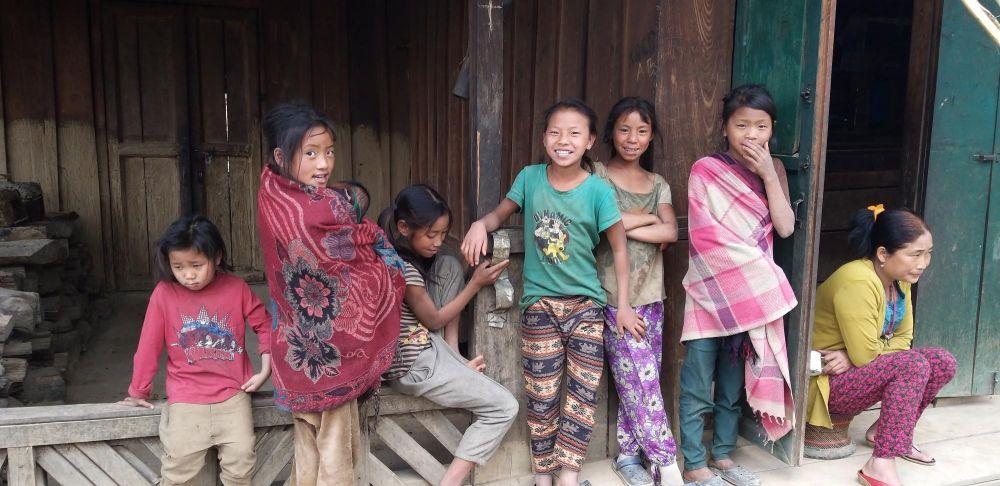 jeunes konyak au village