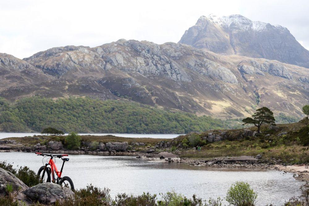 Paysage lac Highlands Ecosse