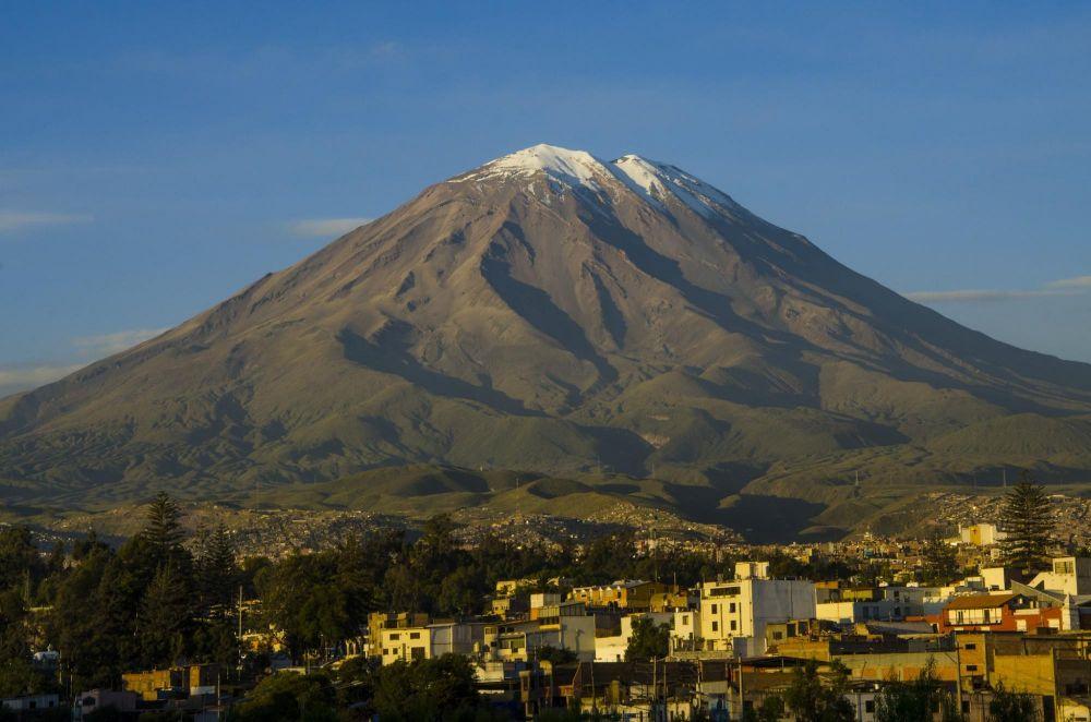 Volcan Misti vu depuis Arequipa, Pérou