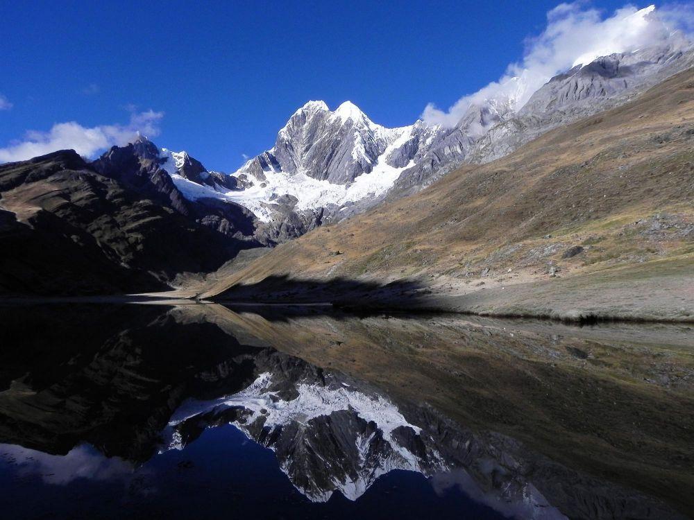 Lagune Mitucocha et Mont Jirishanca (6126m), Cordillère de Huayhuash, Pérou