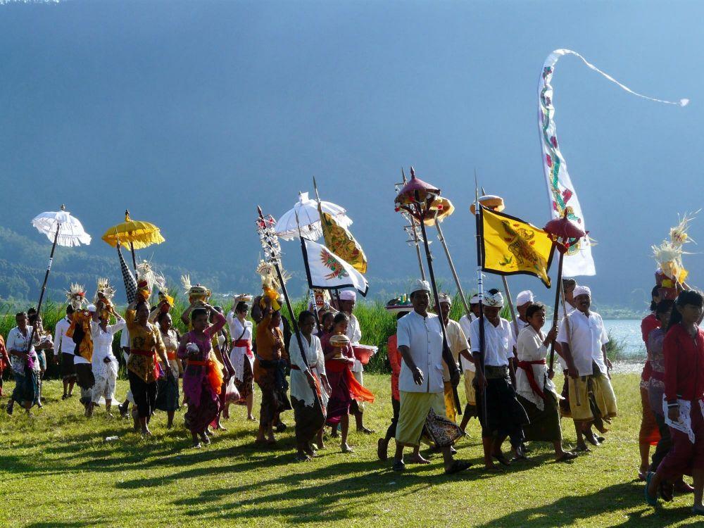 procession Balinaise