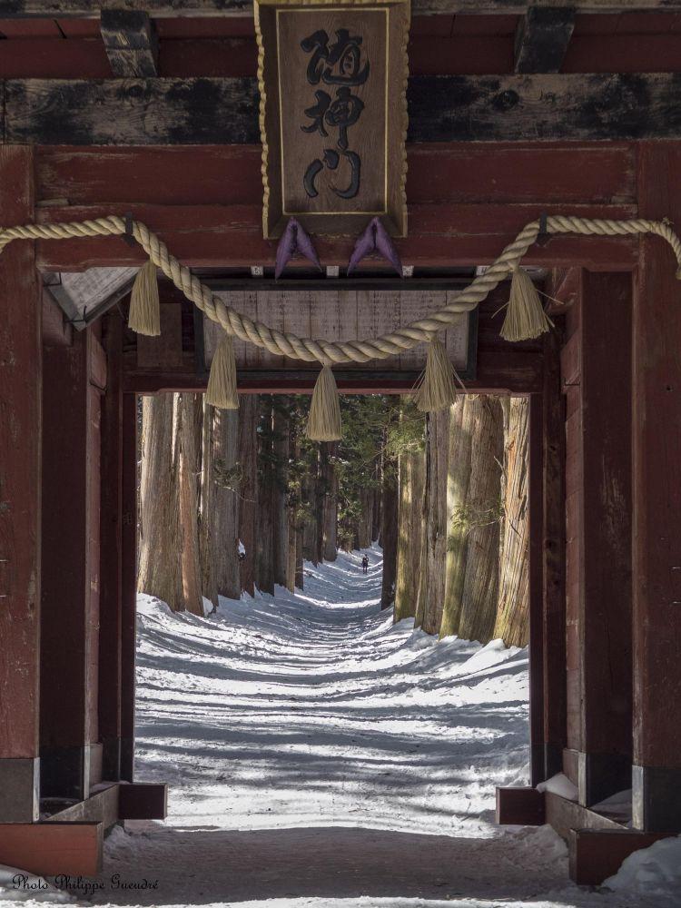 Temple sous la neige