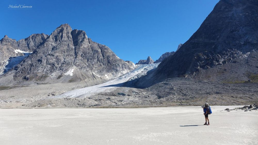 Trekkeur dans le Swcheizerland au Groenland