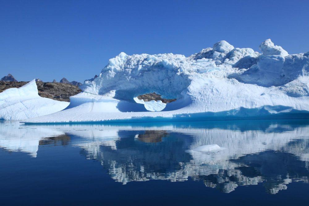 Iceberg dans le fjord Sermilik au Groenland