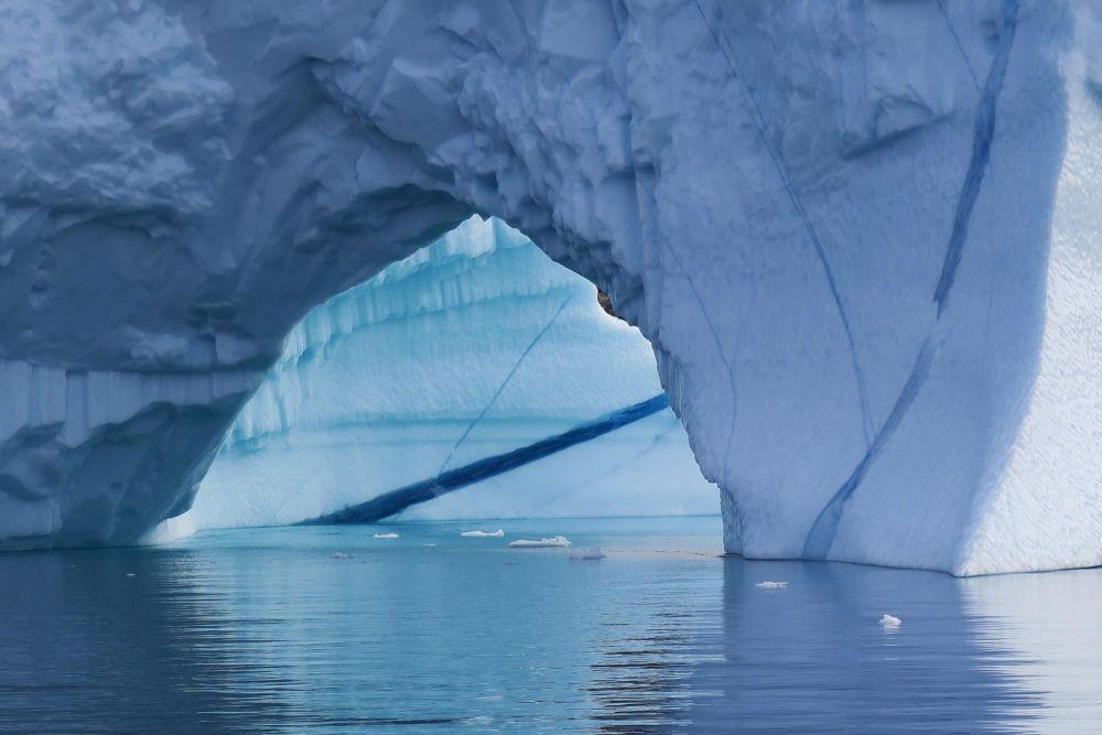 Iceberg dans le Scoresbysund au Groenland