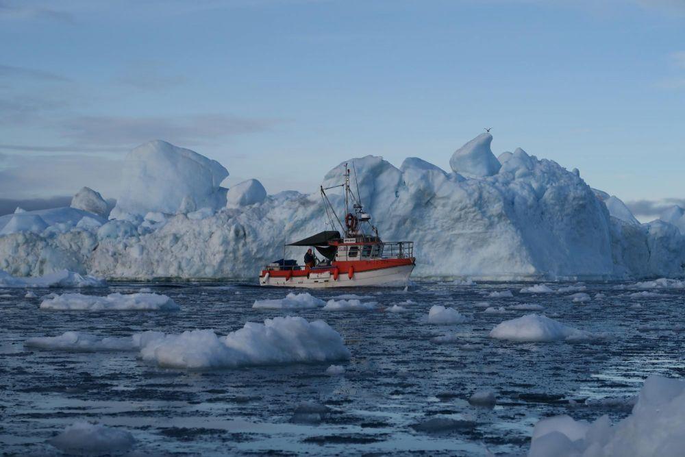 Bateau dans la baie de Disko au Groenland