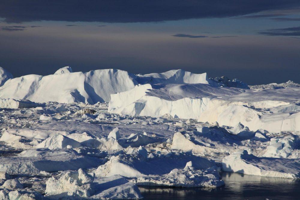 Icefjord face au glacier Sermeq Kujalleq au Groenland dans la baie de Disko