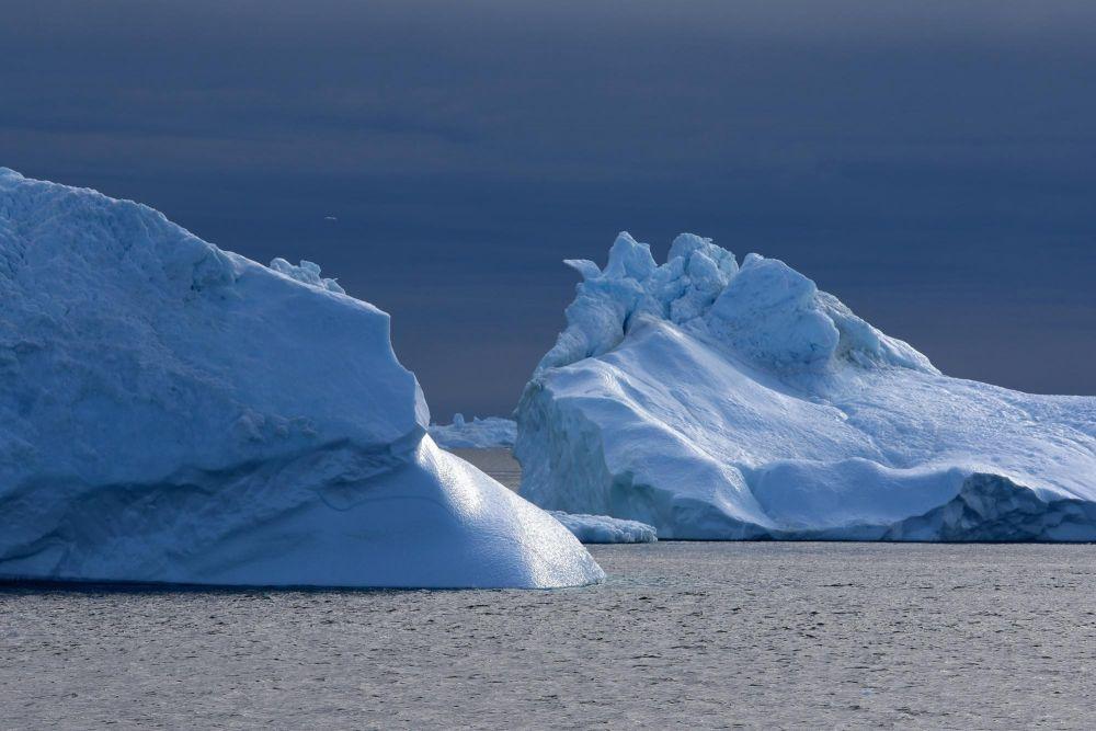 Icebergs dans la baie de Disko au Groenland