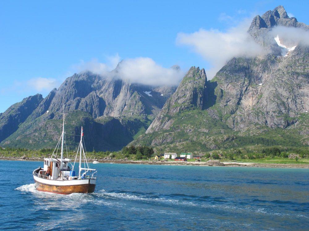Fjord dans les Lofoten en Norvège