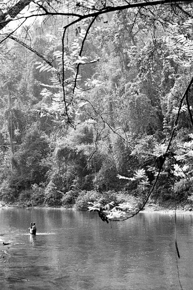 Paysage en voir et blanc du Nord du Laos