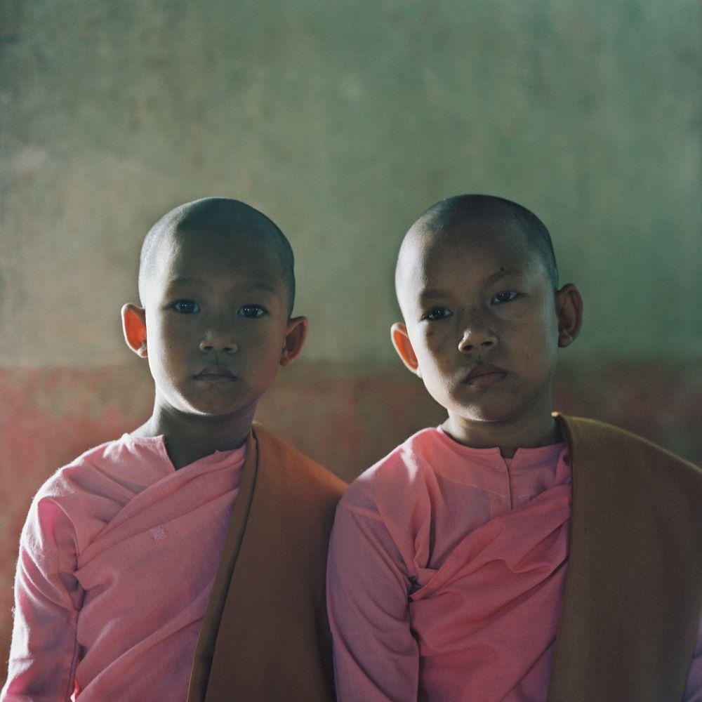 Jeunes moines, voyage photo en Birmanie