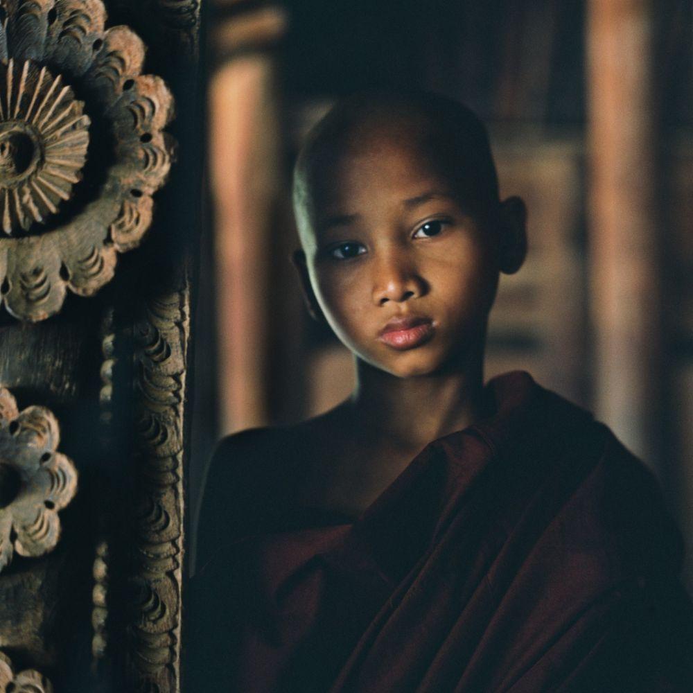 Jeune moine au monastère en Birmanie, voyage Photo