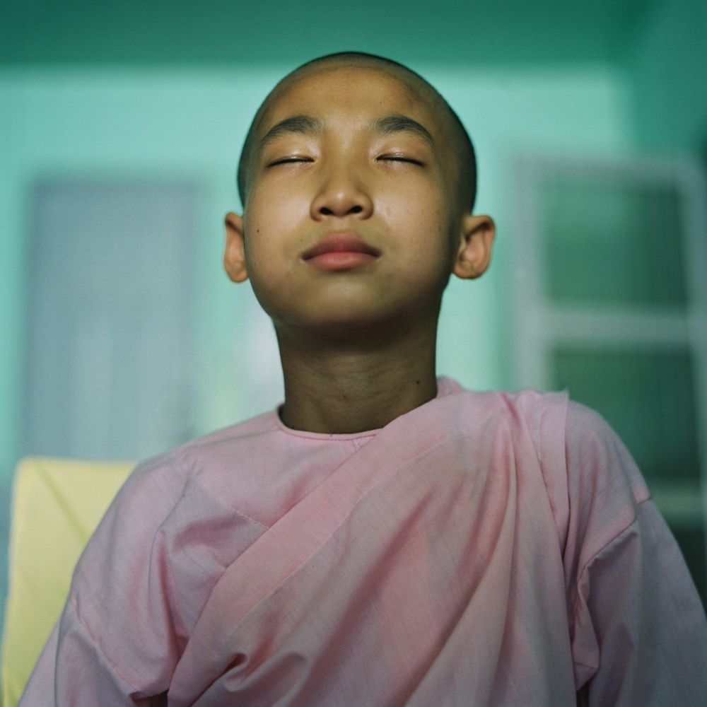 Moine au monastère, voyage photo en Birmanie