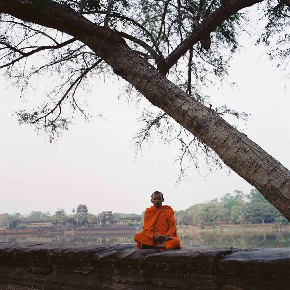 Meditation à Angkor Wat, voyage photographique au Cambodge