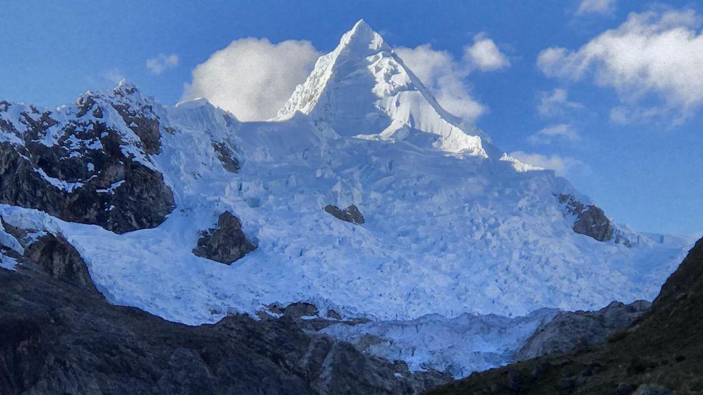 Sommet de l'Alpamayo, Cordillère Blanche, Pérou